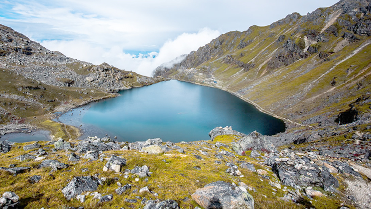 gosaikunda trek in nepal